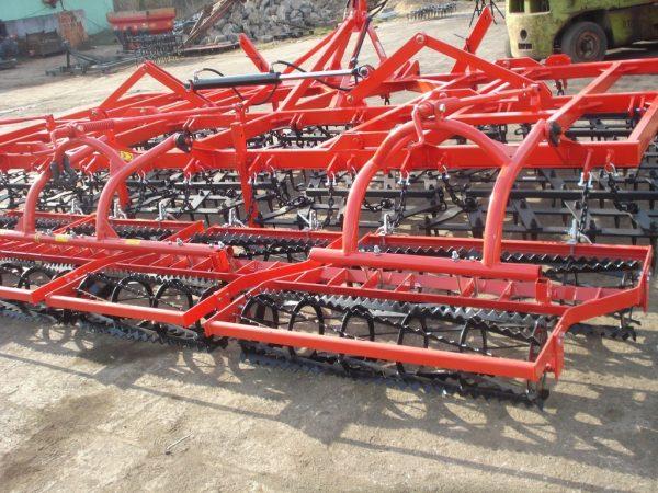 Agregat uprawowy, szerokość robocza 5.5 metra, rama bron 10 polowa podwójna z wałkami kruszącymi
