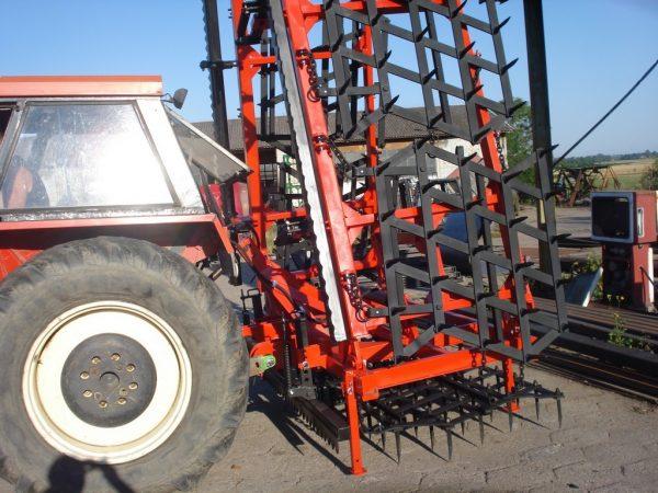 Rama bron 6 polowa z hydrauliką, WŁÓKĄ UCHYLNĄ, ZĘBATĄ, szerokość robocza 6.50 metra