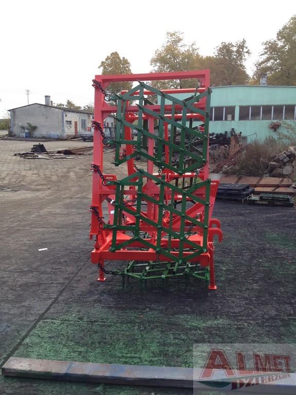 MONTAŻ PRZEDNI TUZ I TYŁ CIĄGNIKA Rama bron 6 polowa z hydrauliką, szerokość robocza 6.50 metra