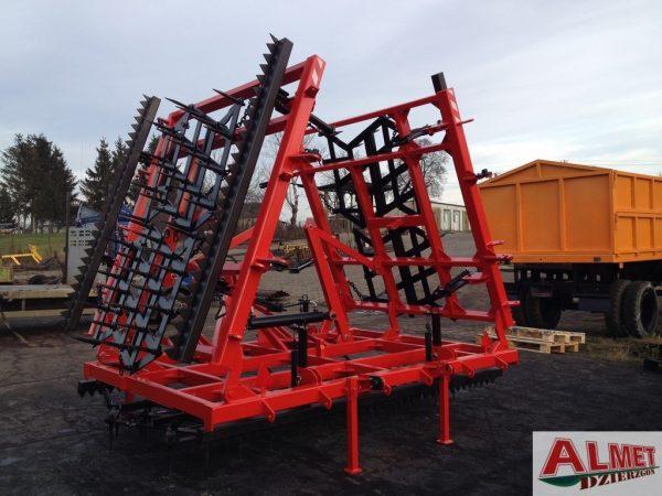 Rama bron 7 polowa z hydrauliką i WŁÓKĄ UCHYLNĄ z obu stron, szerokość robocza 7.50 metra